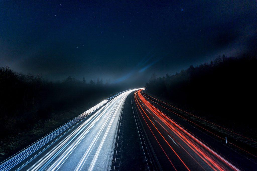 Beleuchtete Autobahn